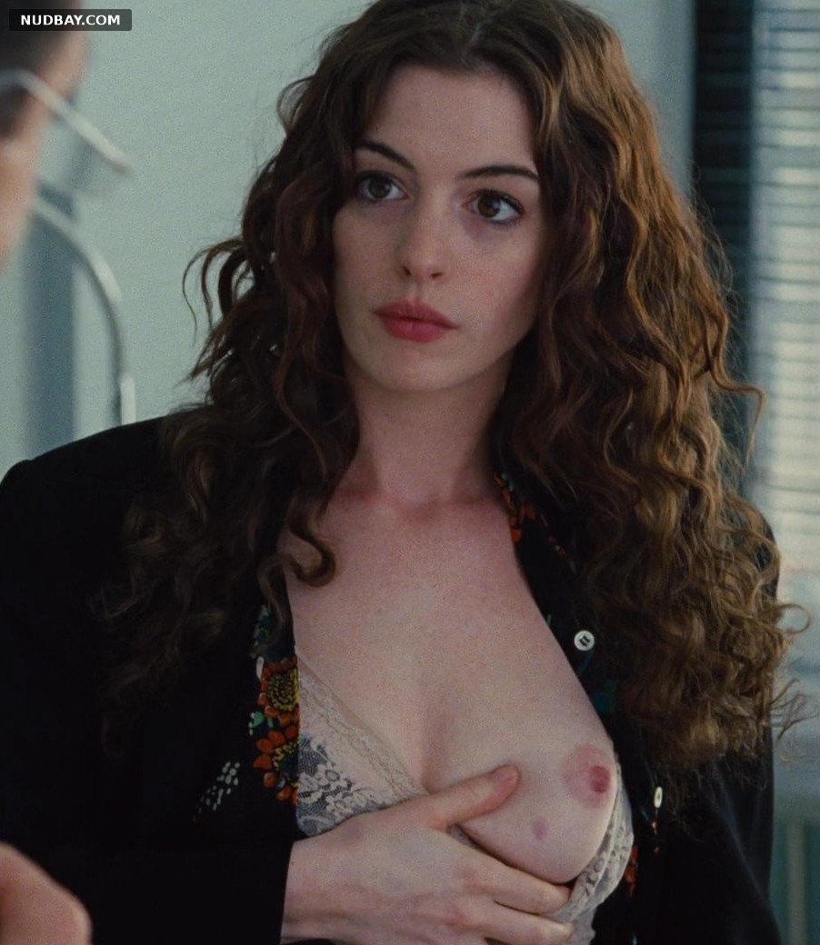 Anne Hathaway Boobs