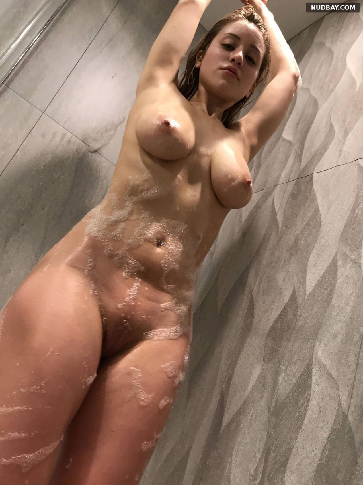 Caylee Cowan nude pussy
