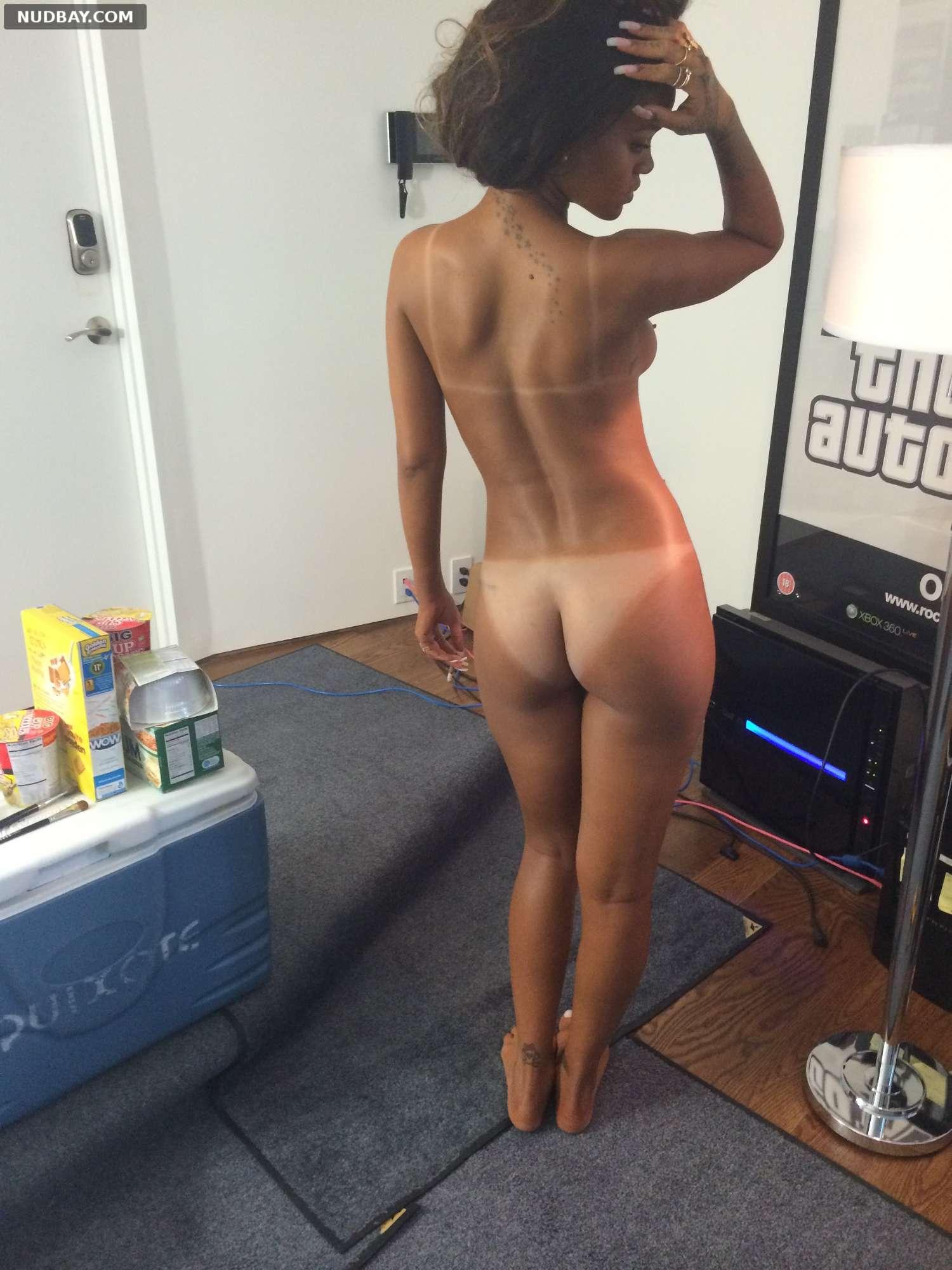 Rihanna nude ass