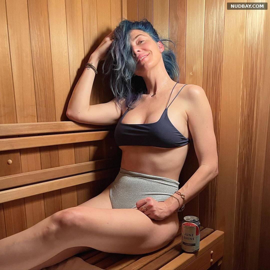 Whitney Cummings boobs