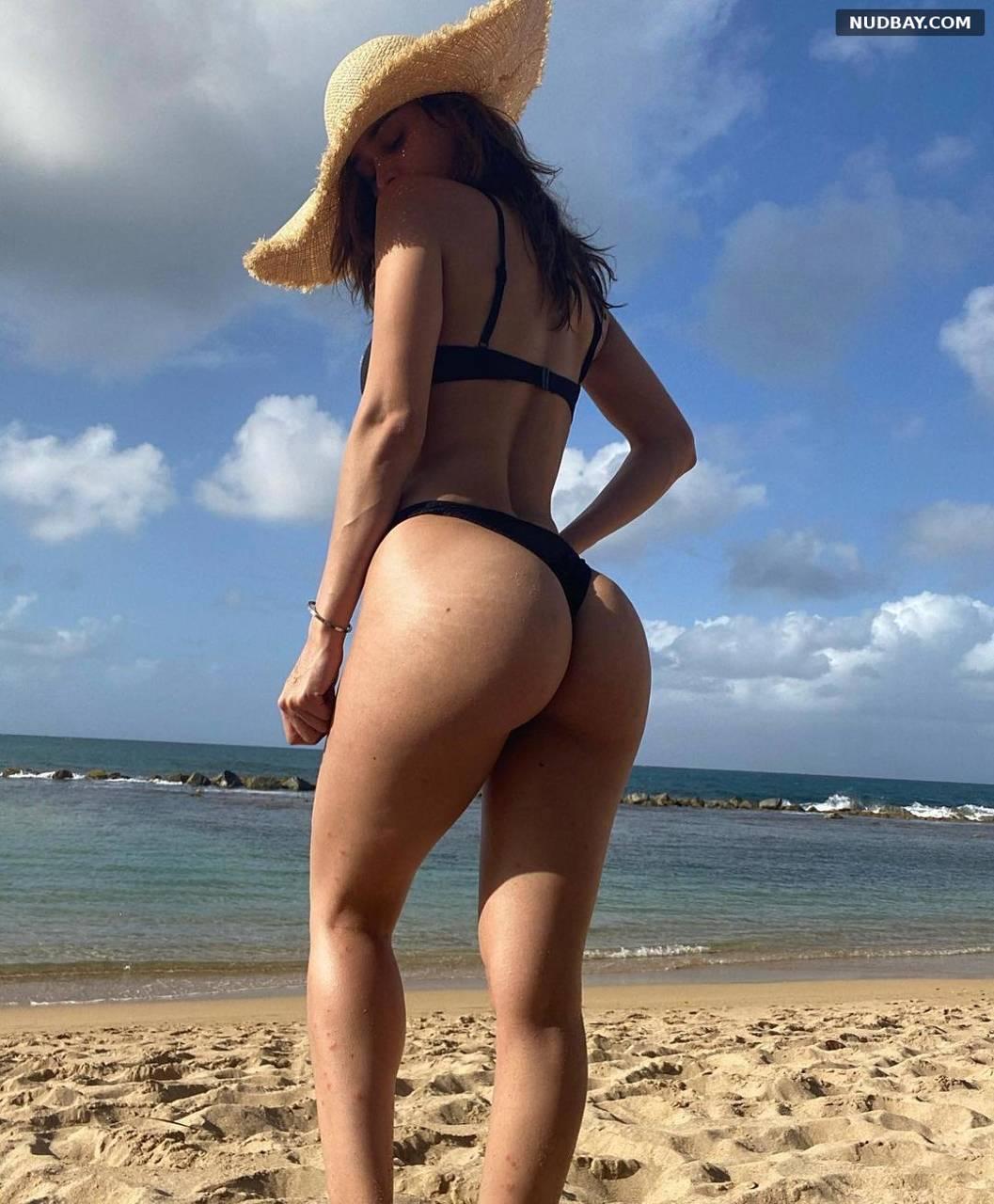Yanet Garcia nude ass