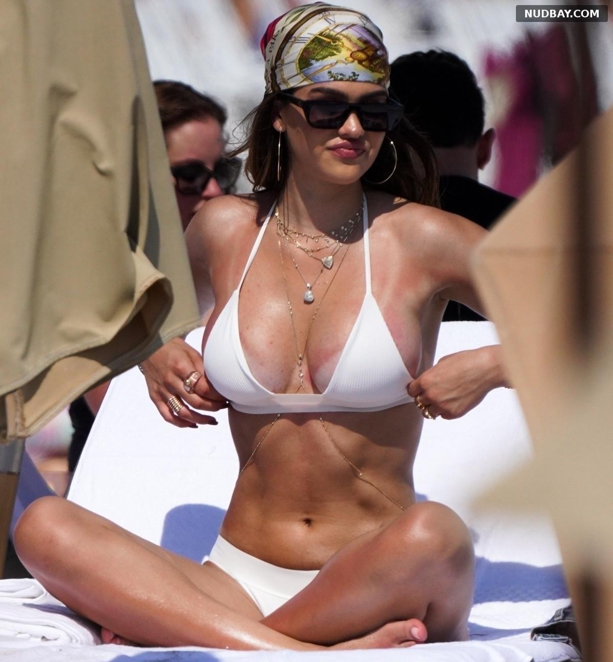 Amelia Hamlin boobs