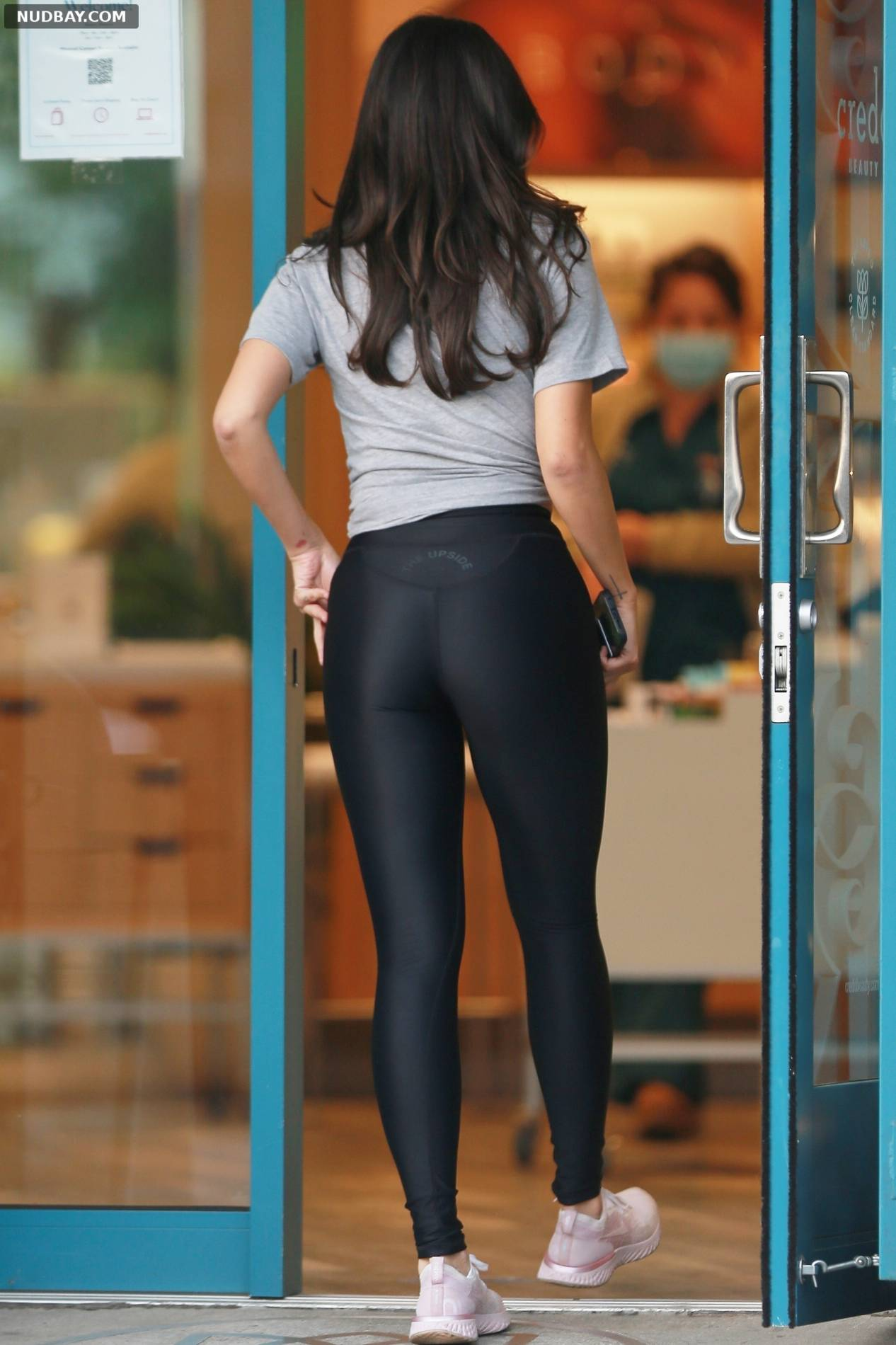 Eiza Gonzalez ass