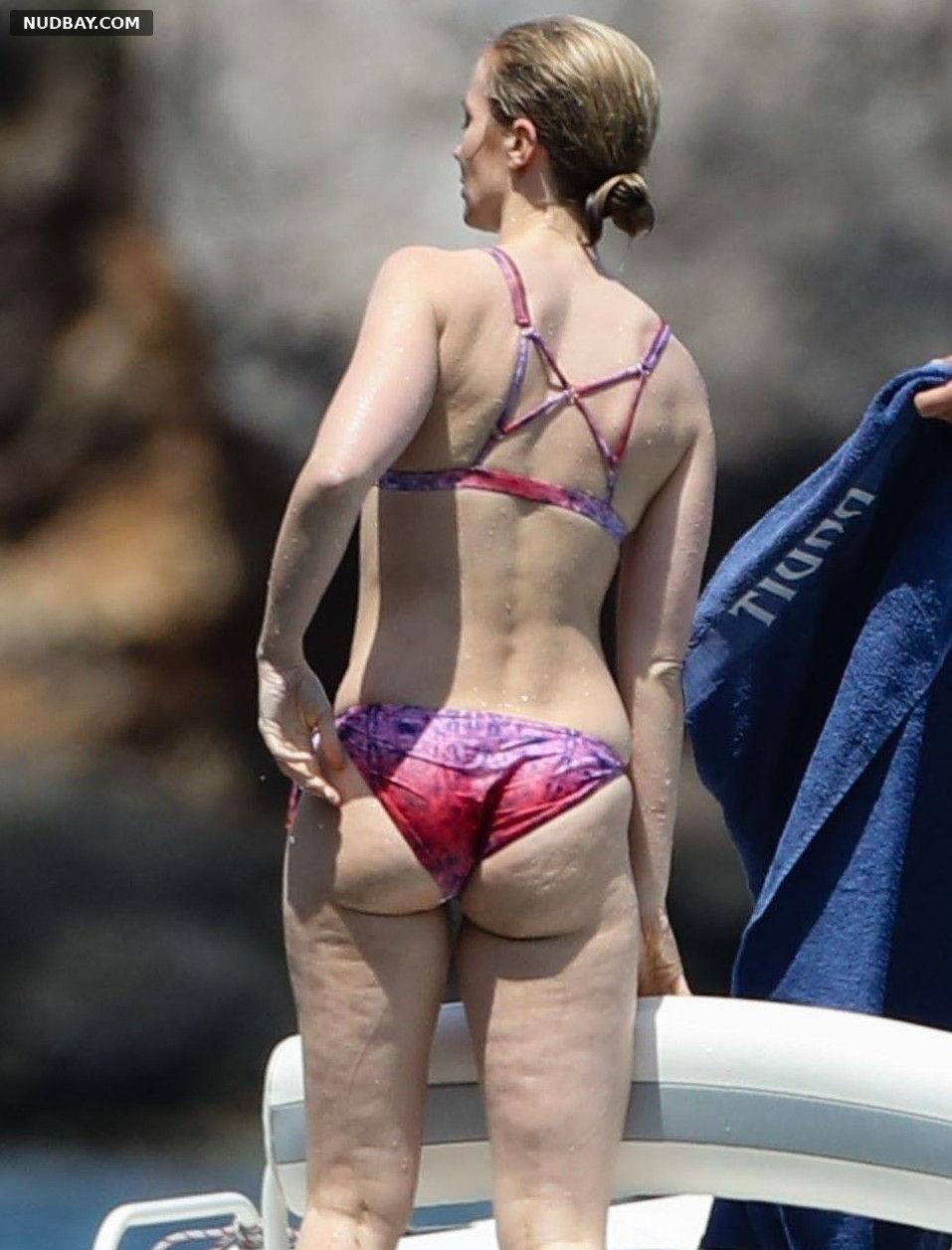 Emily Blunt Ass