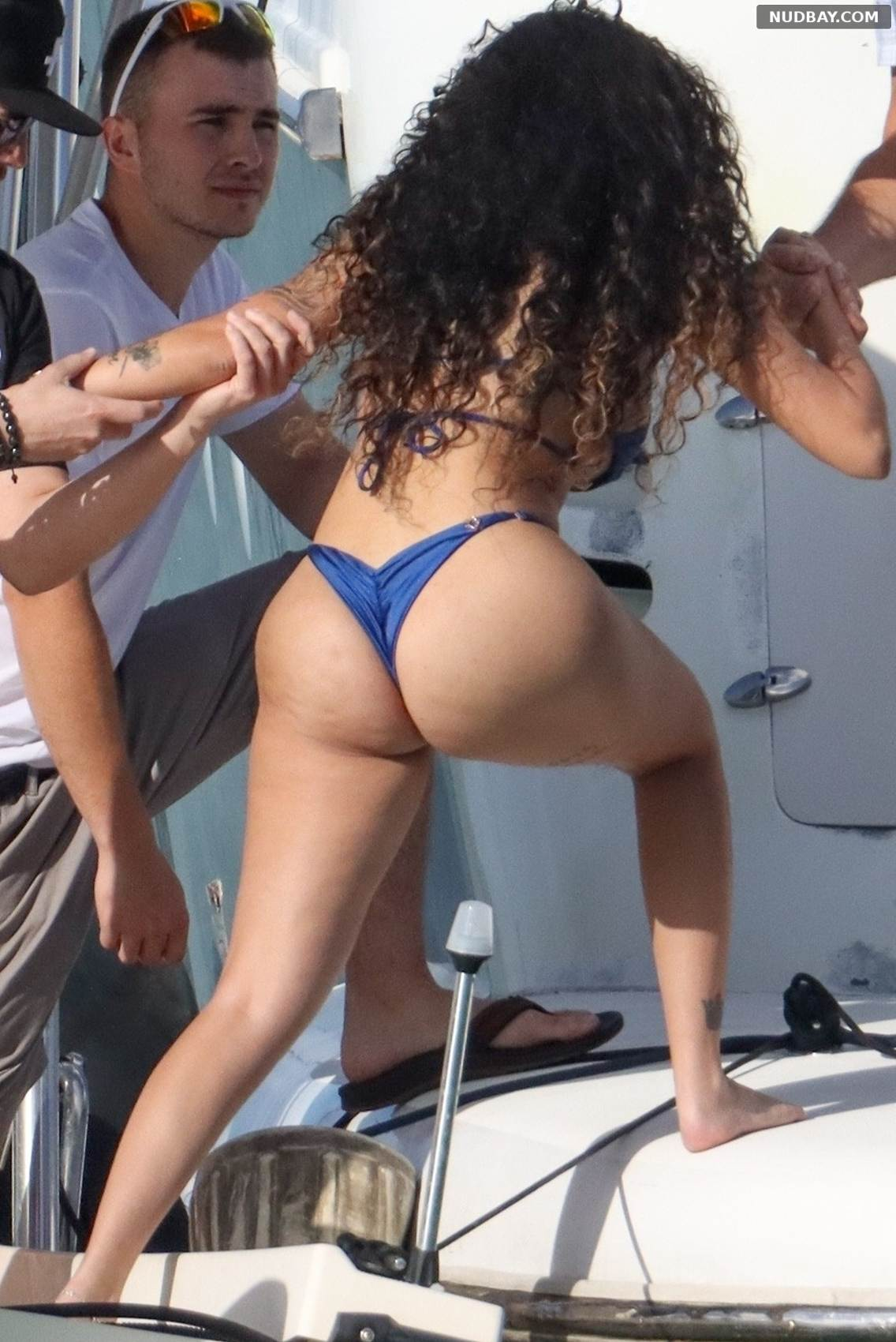 Malu Trevejo ass
