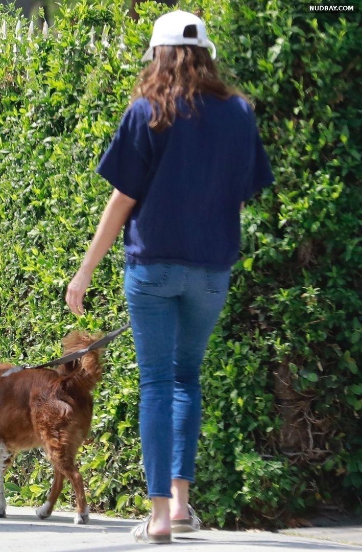Aubrey Plaza walking her dogs in Los Feliz 1