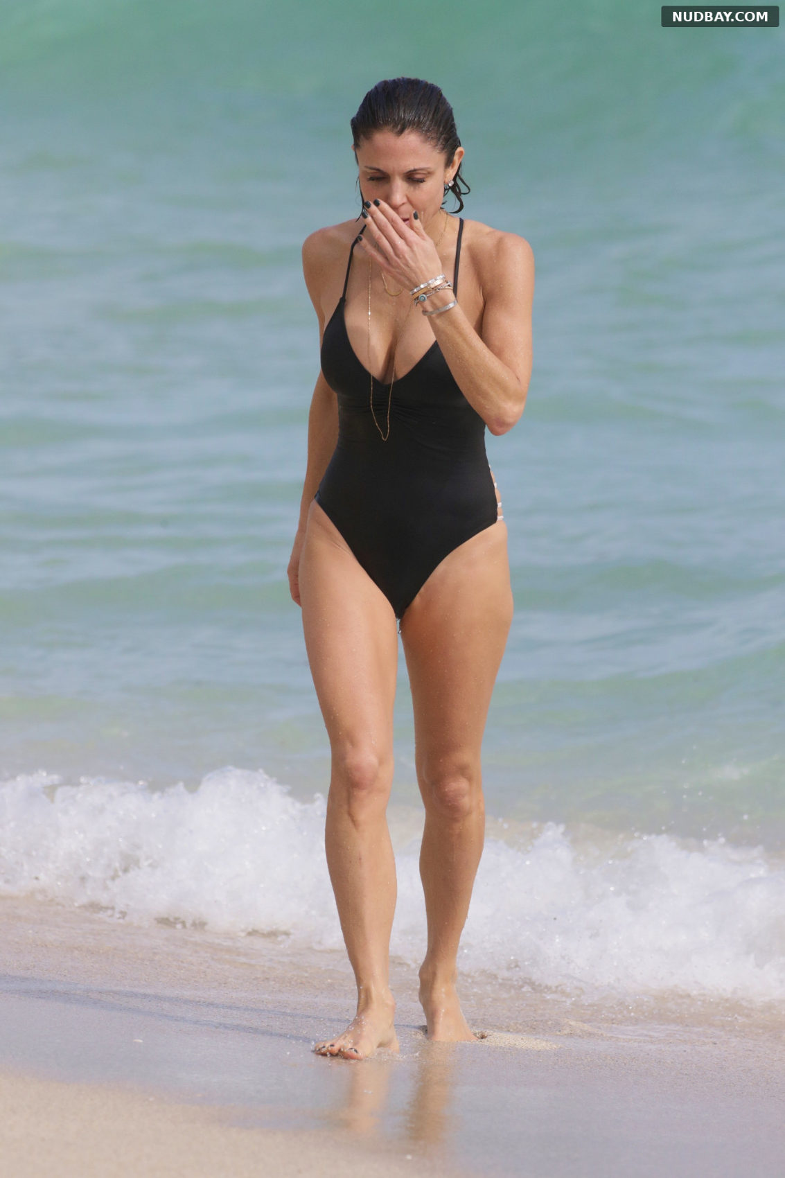 Bethenny Frankel at the beach in Miami Beach