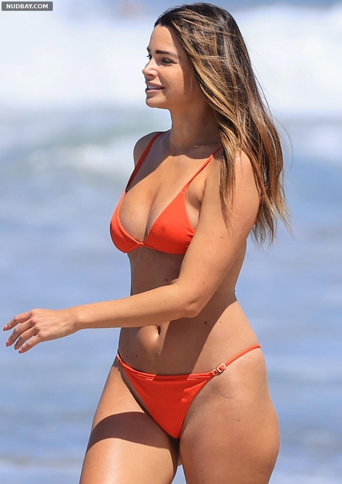 Jennifer Lahmers on the beach in Los Angeles