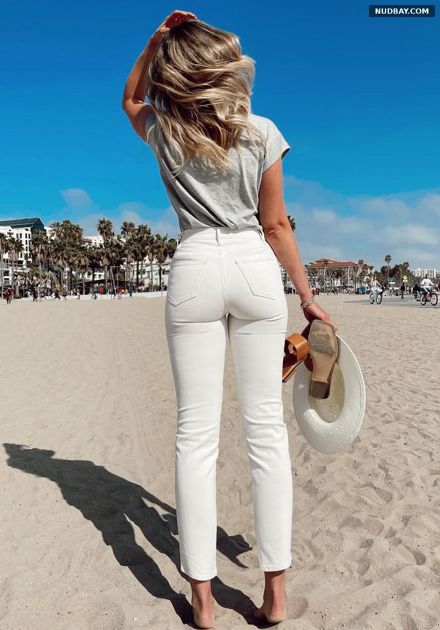 Katrina Bowden Frame jeans Apr 27 2021