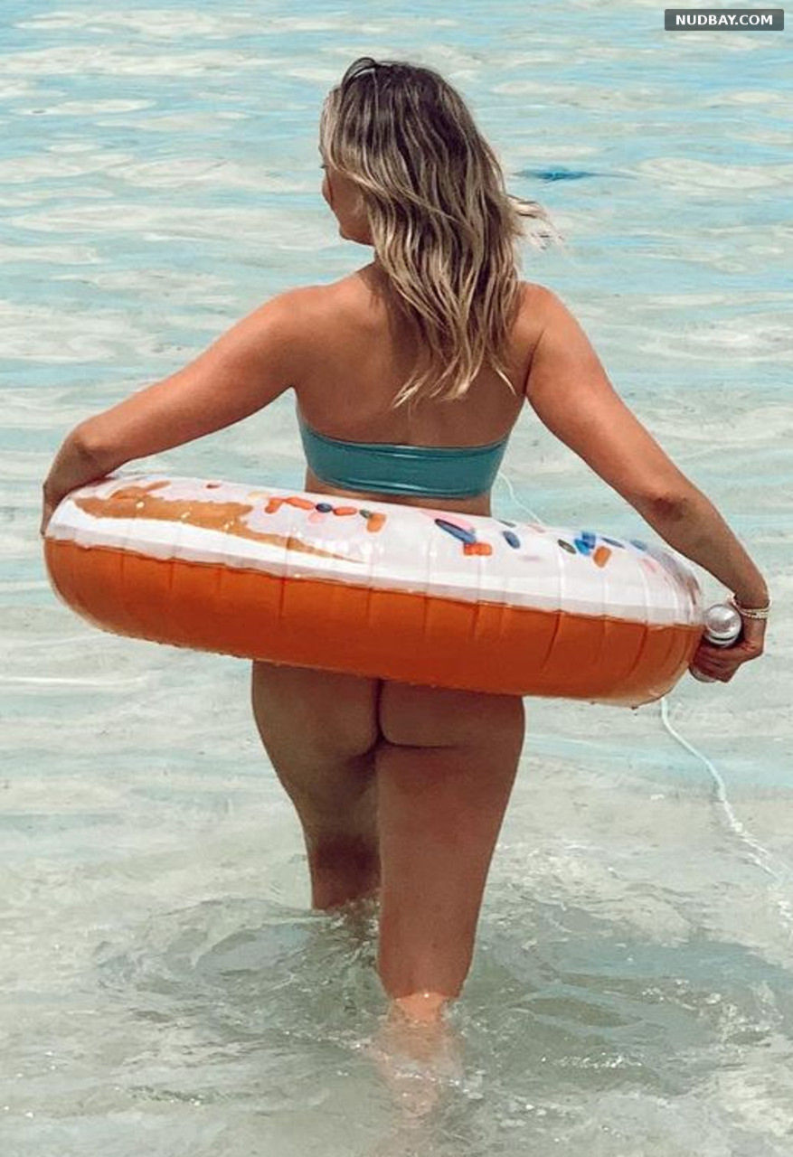Katrina Bowden ass bikini Apr 19 2021