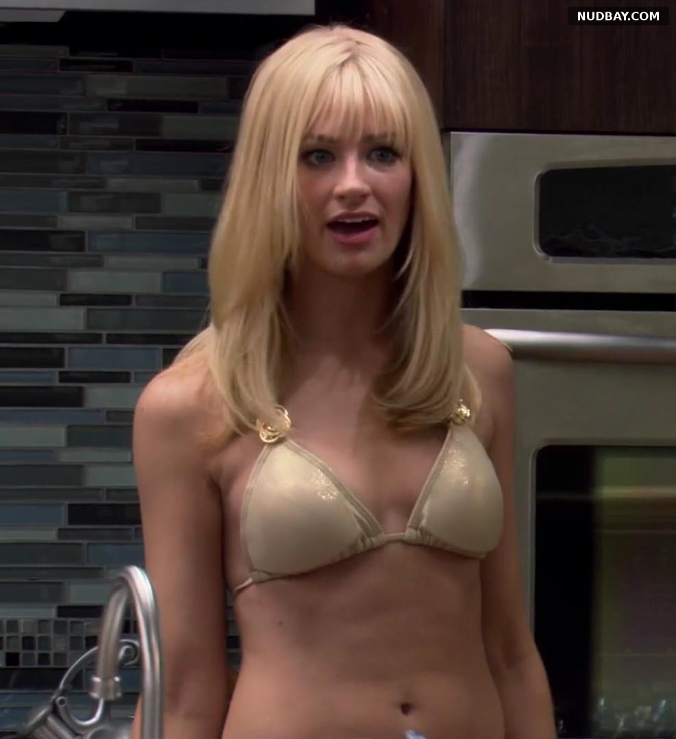 Beth Behrs in 2 Broke Girls S01E19 (2012)