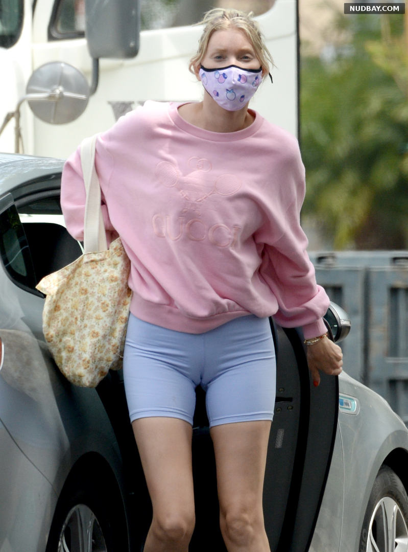 Elsa Hosk cameltoe heads to a workout in West Hollywood May 18 2021 1