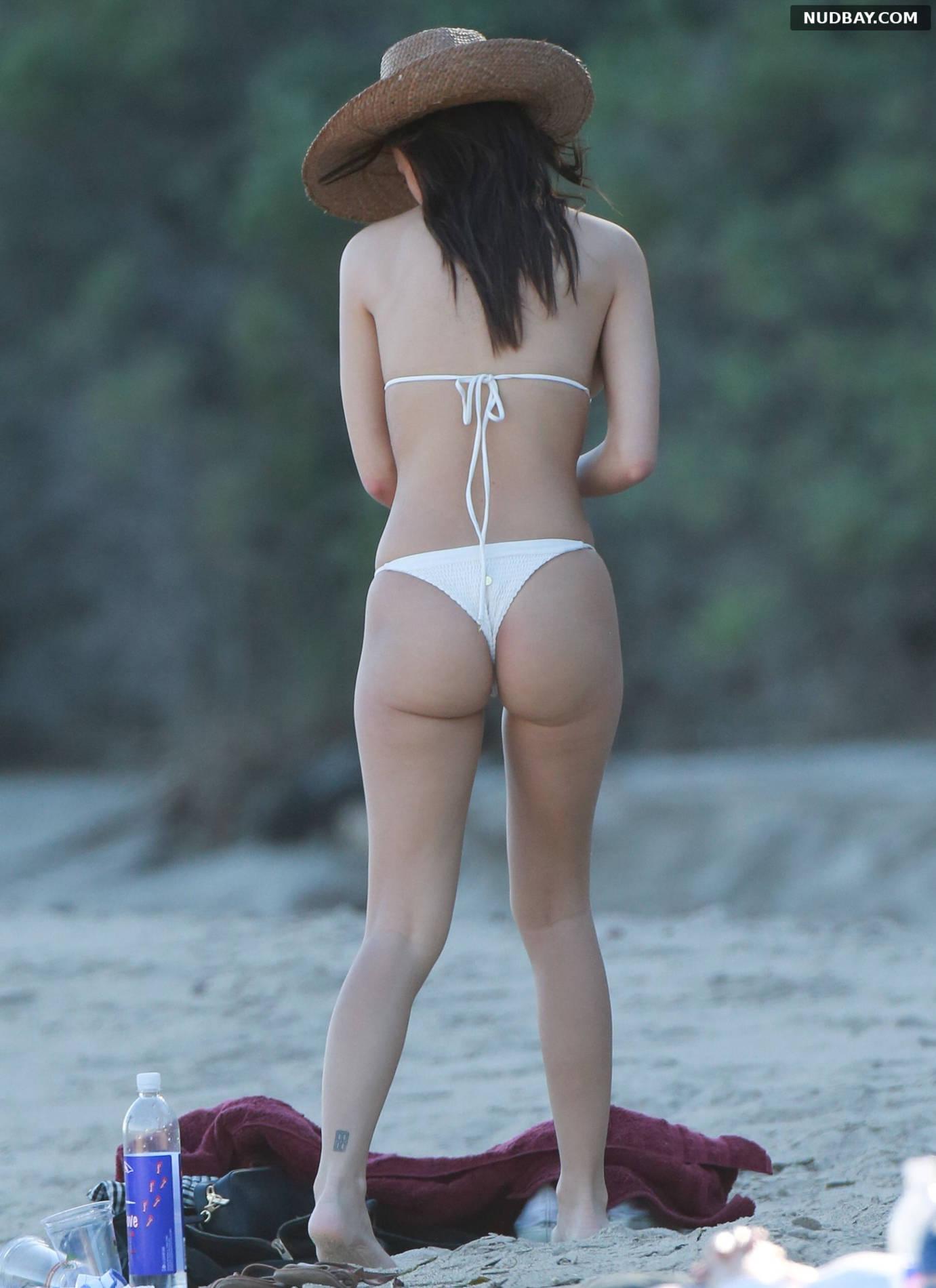 Emily Ratajkowski At a photoshoot on the beach in Malibu Mar 09 2017