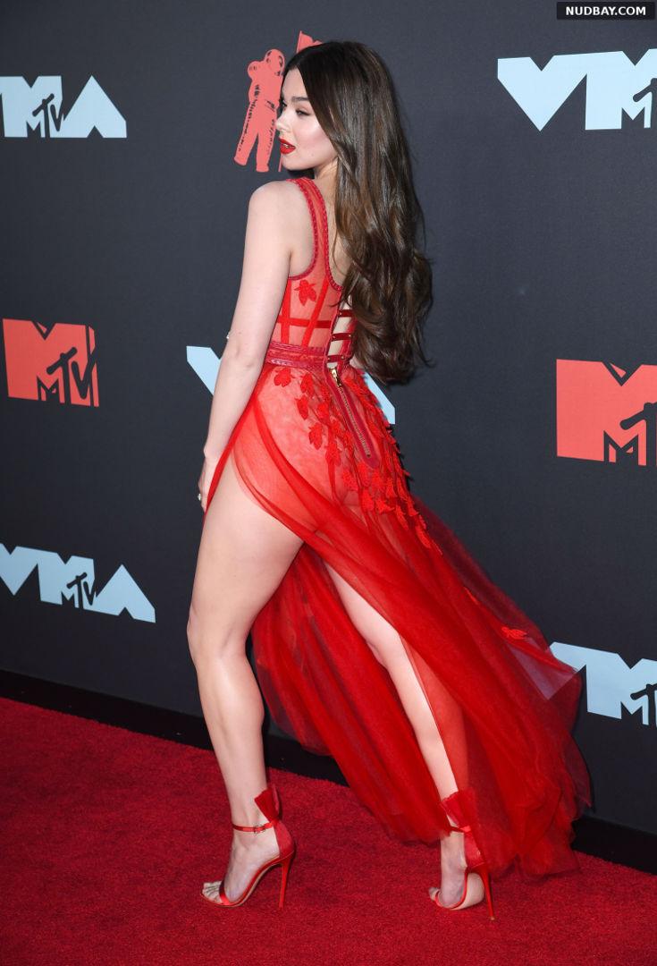 Hailee Steinfeld Ass MTV Video Music Awards in Newark Aug 26 2019 1