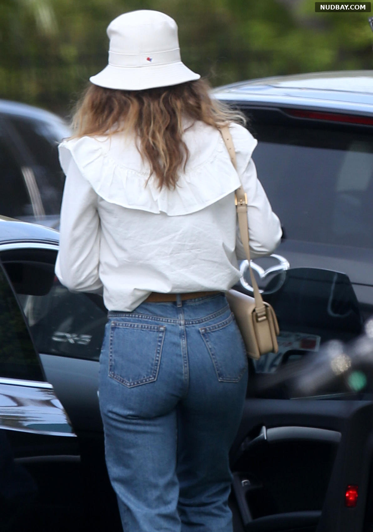 Lily James Ass out for lunch in trendy West Hollywood May 04 2021