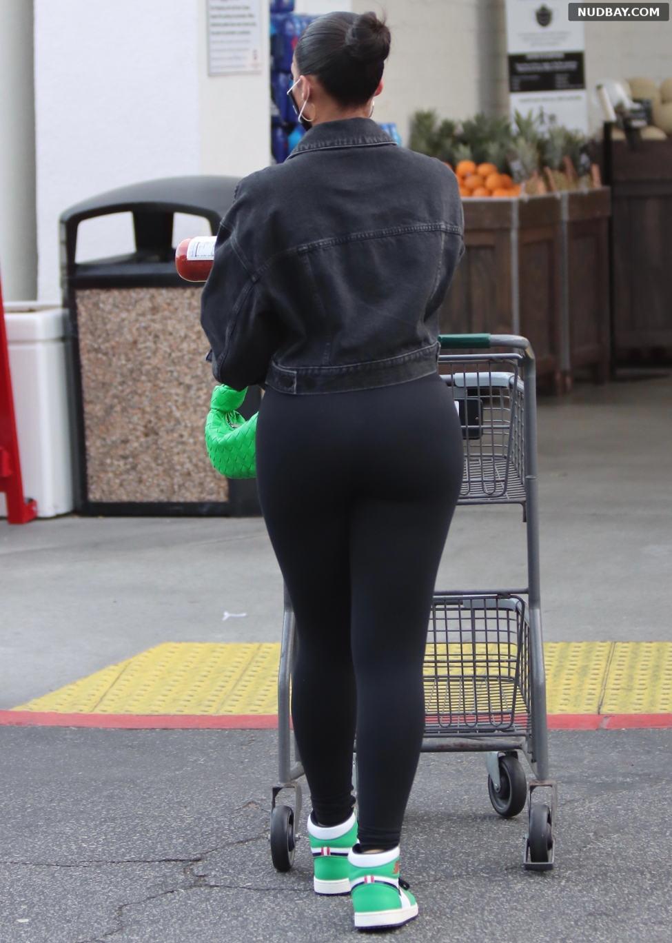 Lori Harvey booty shopping at Bristol Farms in West Hollywood May 25 2021