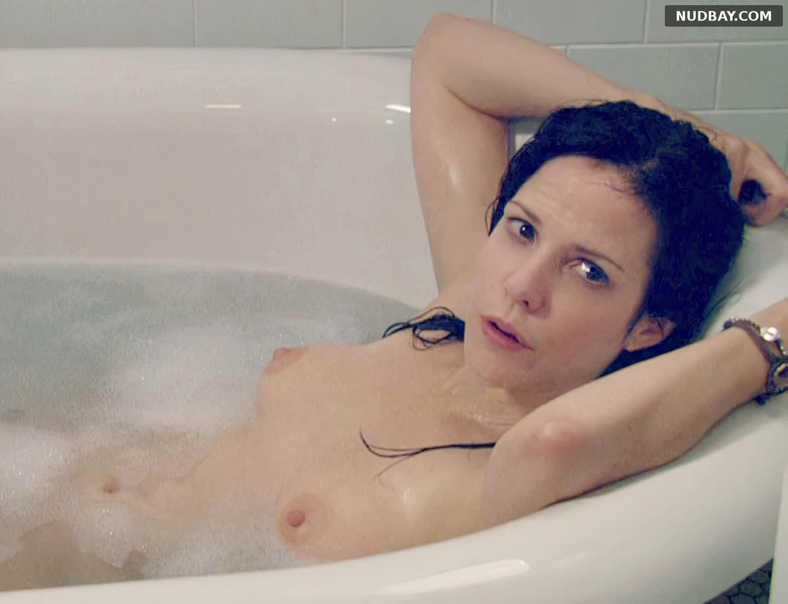Mary-Louise Parker nude in Weeds (2007)