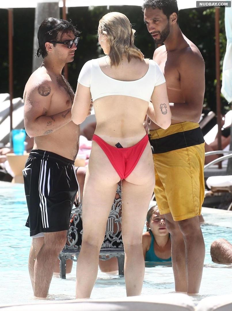 Sophie Turner Ass Bikini at the Delano Pool in Miami Aug 13 2018 1