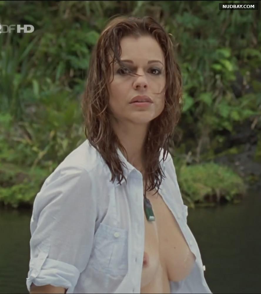 Suzan Anbeh nude Sehnsucht nach Neuseeland (2009)