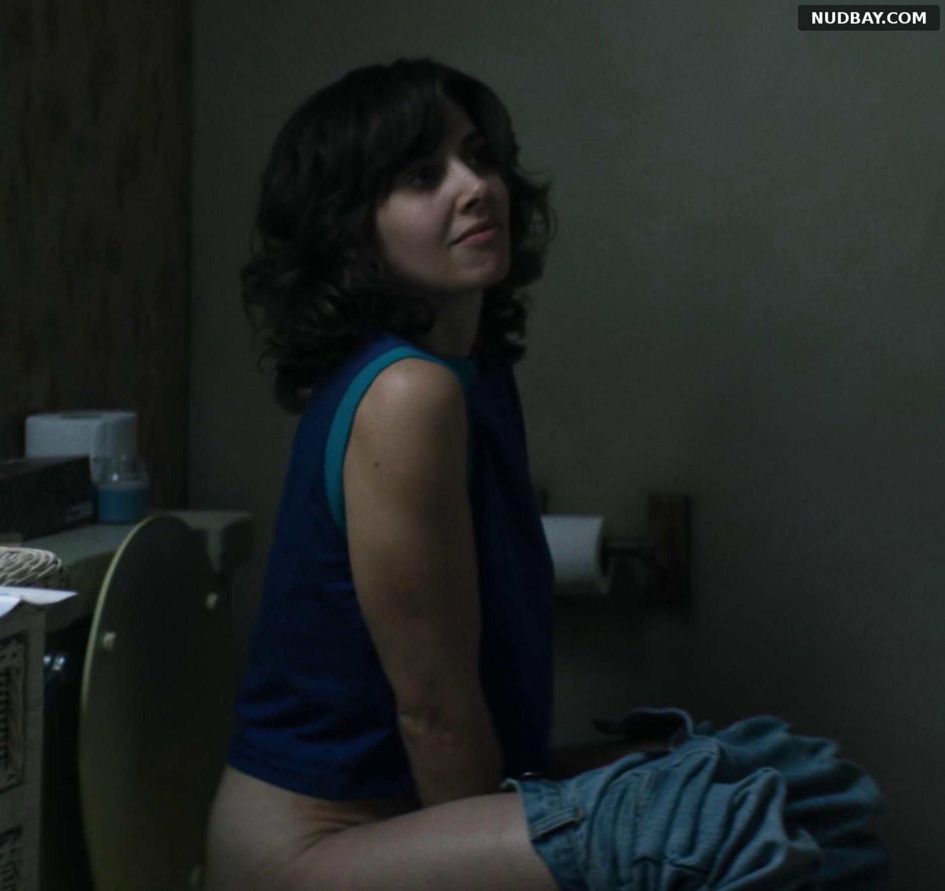 Alison Brie nude in TV series Glow (2017)