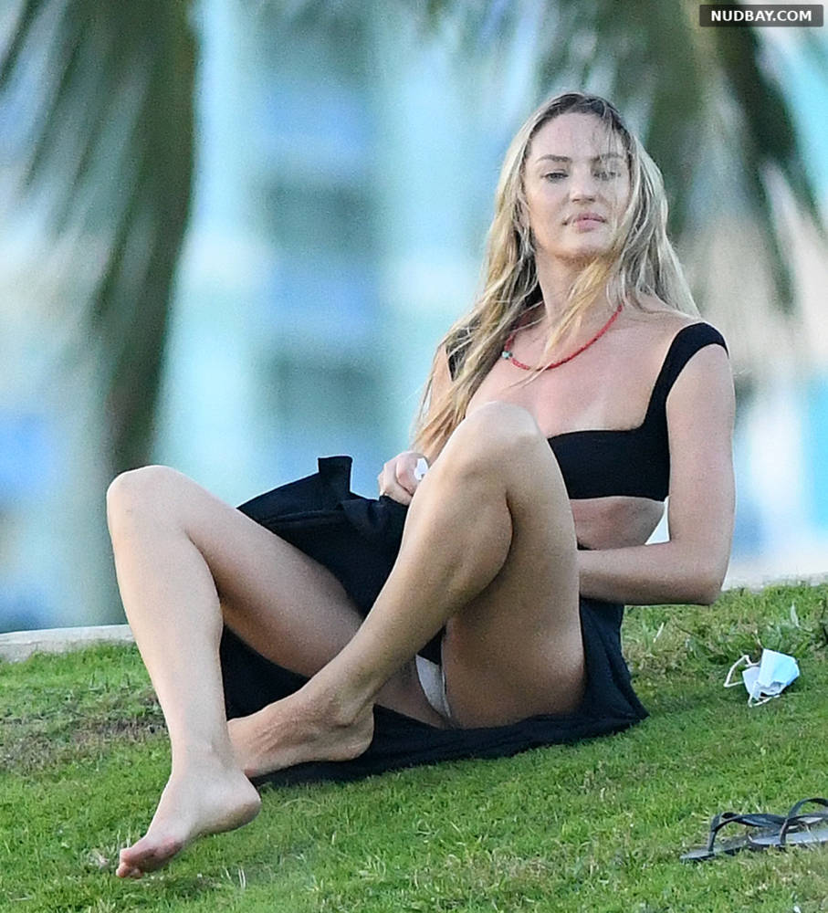 Candice Swanepoel upskirt at a park in Miami Jan 11 2020 1