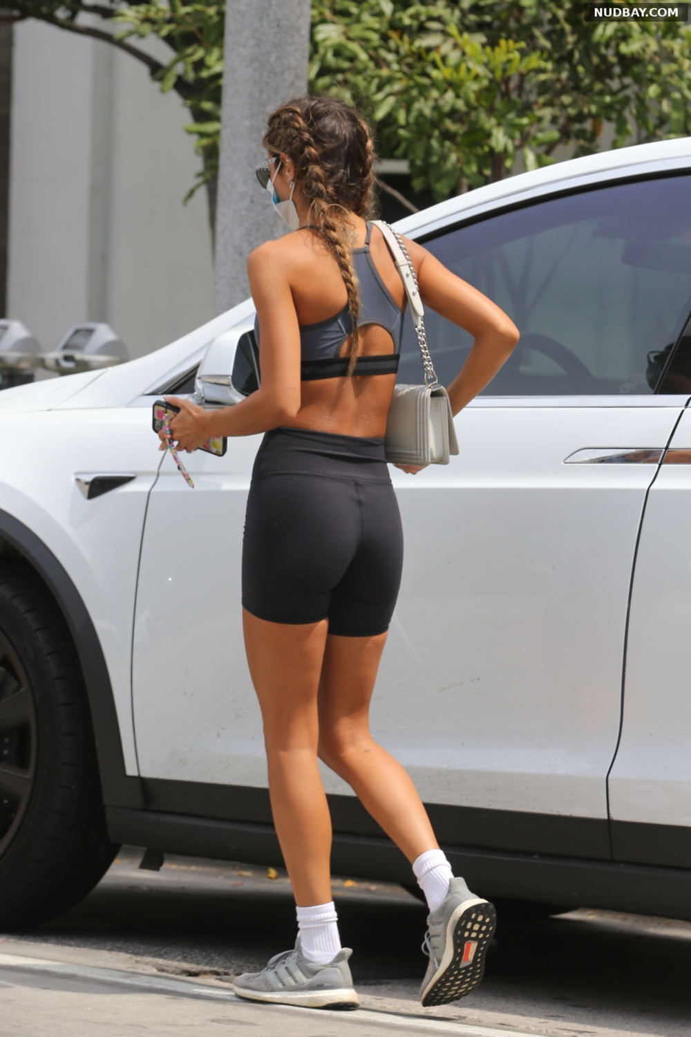 Chantel Jeffries booty out in West Hollywood Jun 21 2021