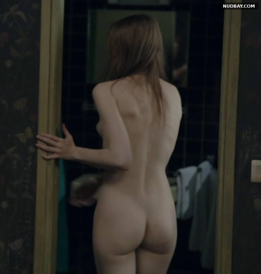 Deborah Francois nude ass Mes Cheres Etudes (2010)