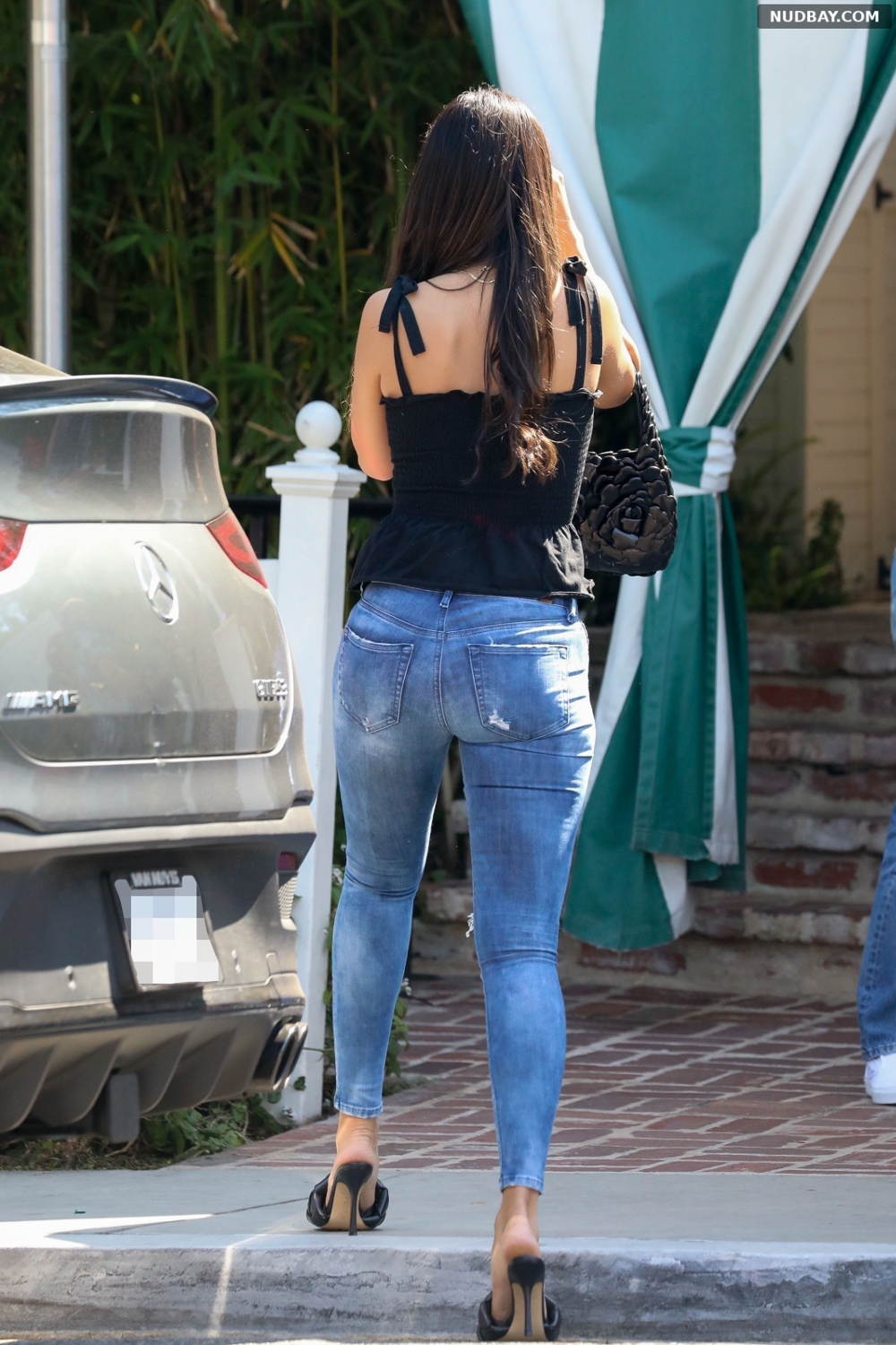 Eiza Gonzalez booty at San Vicente Bungalows in West Hollywood Jun 03 2021