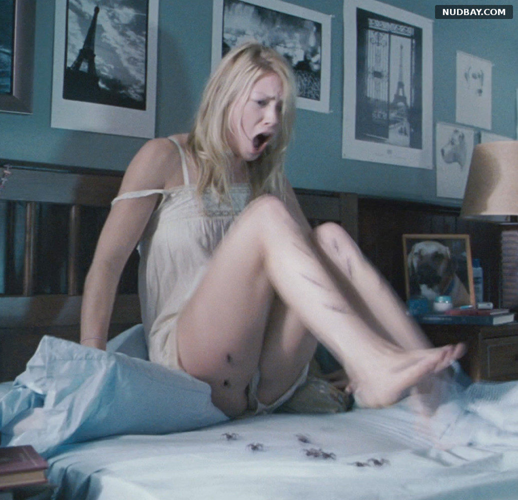 Laura Ramsey pussy The Covenant (2006)