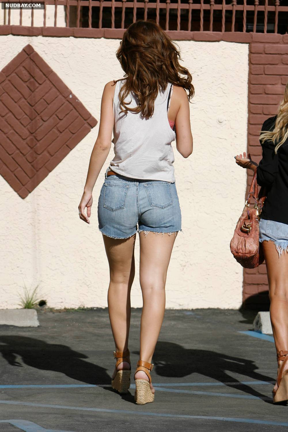 Maria Menounos ass at Dancing With The Stars Studio in Los Angeles May 14 2014