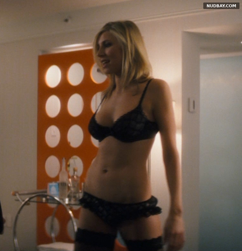 Sarah Chalke sexy in Chaos Theory (2008)