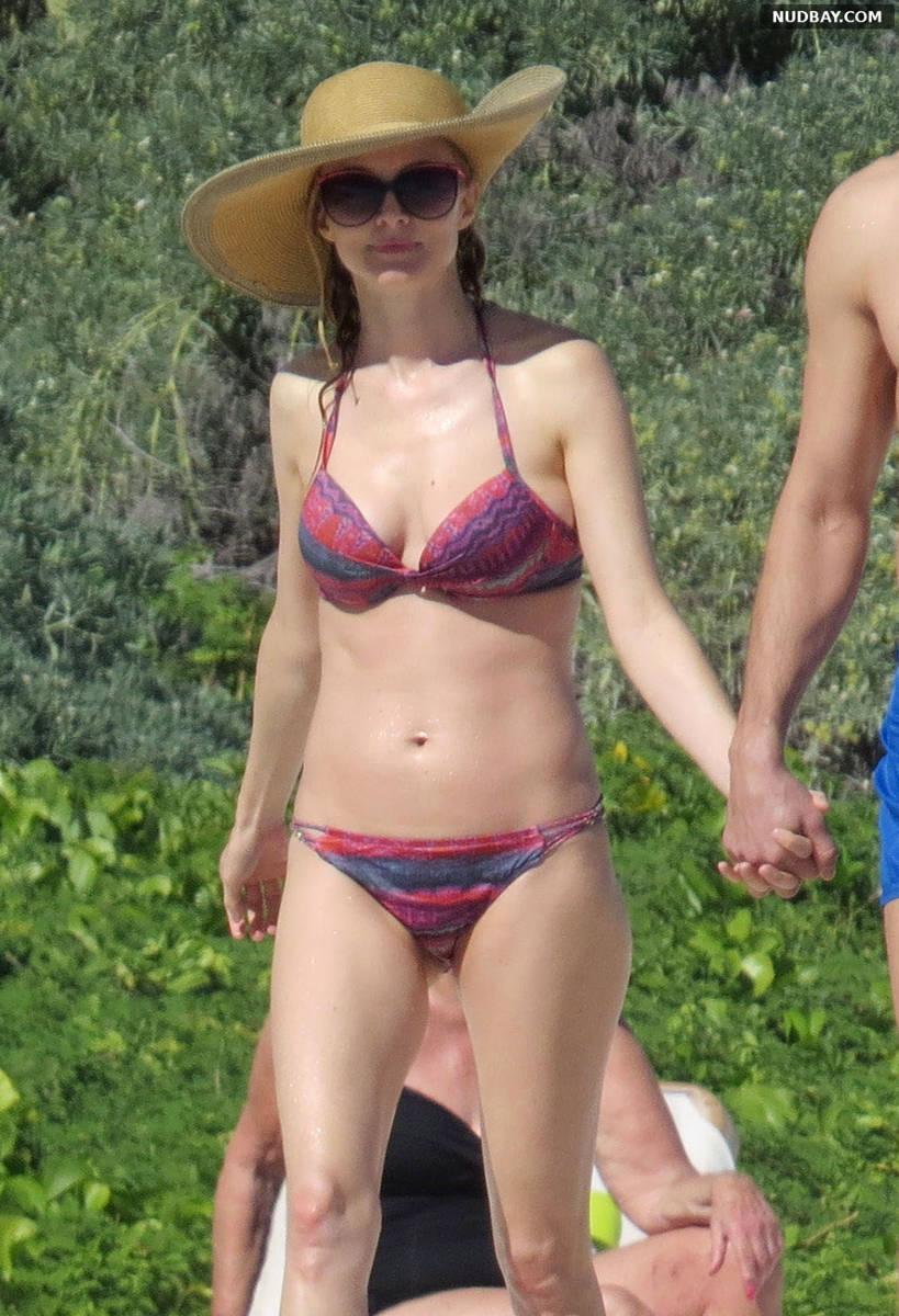 Heather Graham in a bikini on a beach in Mexico Jan 31 2015