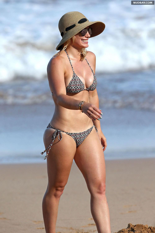 Hilary Duff wearing a bikini at a beach in Hawaii Sep 04 2015