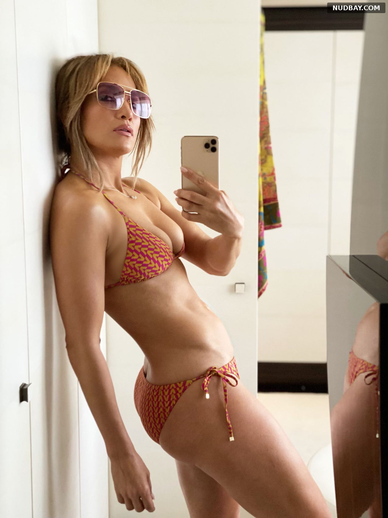 Jennifer Lopez wearing a bikini Jul 24 2021