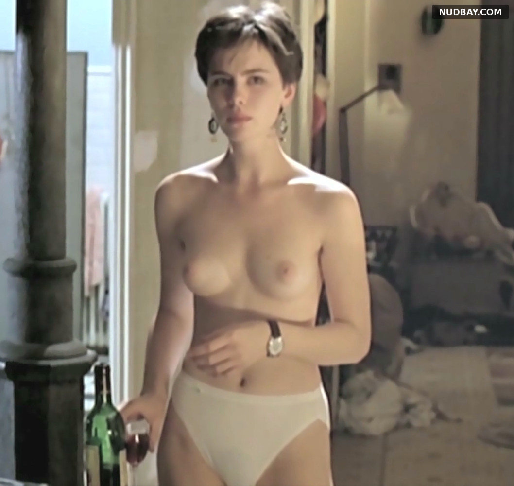 Kate Beckinsale nude in Uncovered (1994)