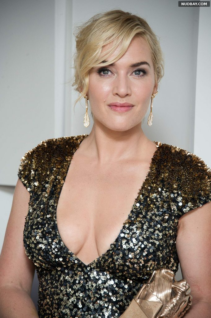 Kate Winslet Cleavage at Cesar Film Awards in Paris February 24 2012 1