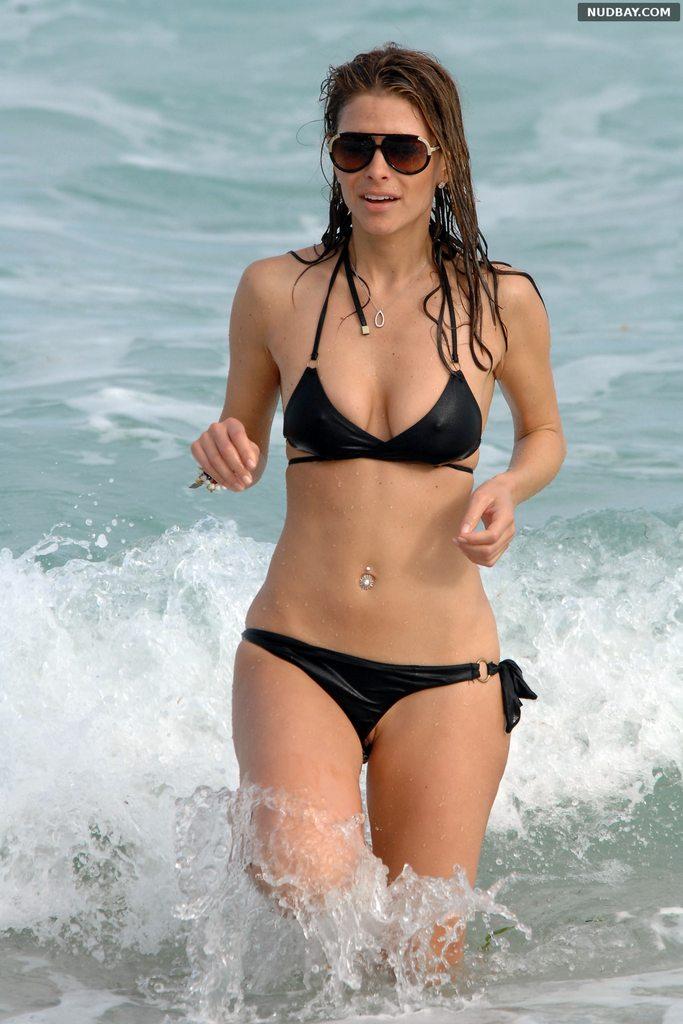 Maria Menounos Pussy Slip in Bikini vacation at beach in Miami 2011 1