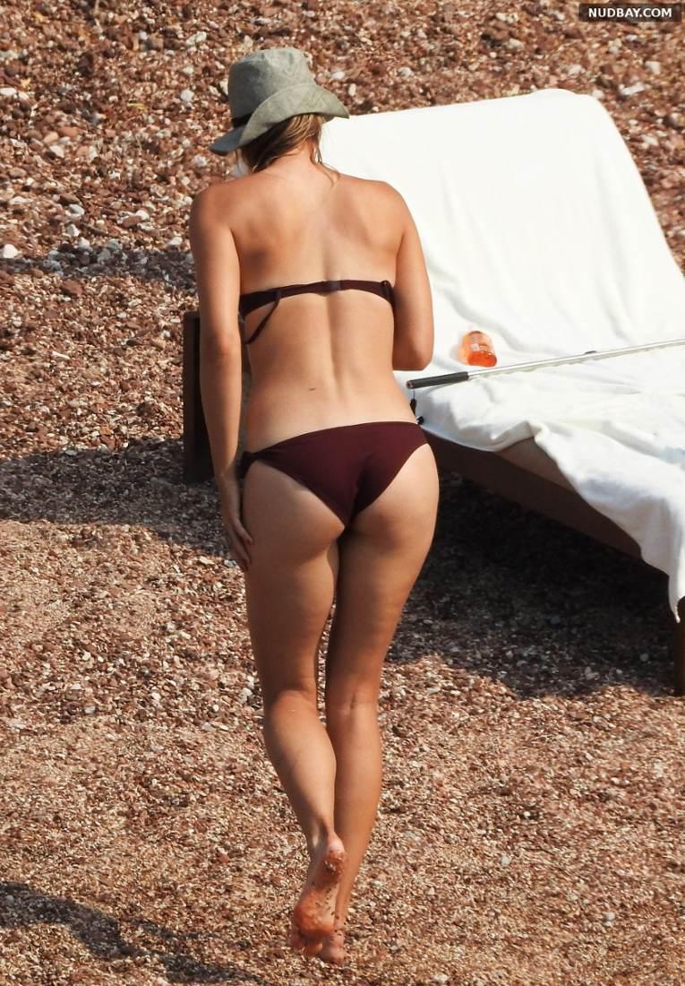 Maria Sharapova Ass bikini candids at a beach in Montenegro Jul 19 2015