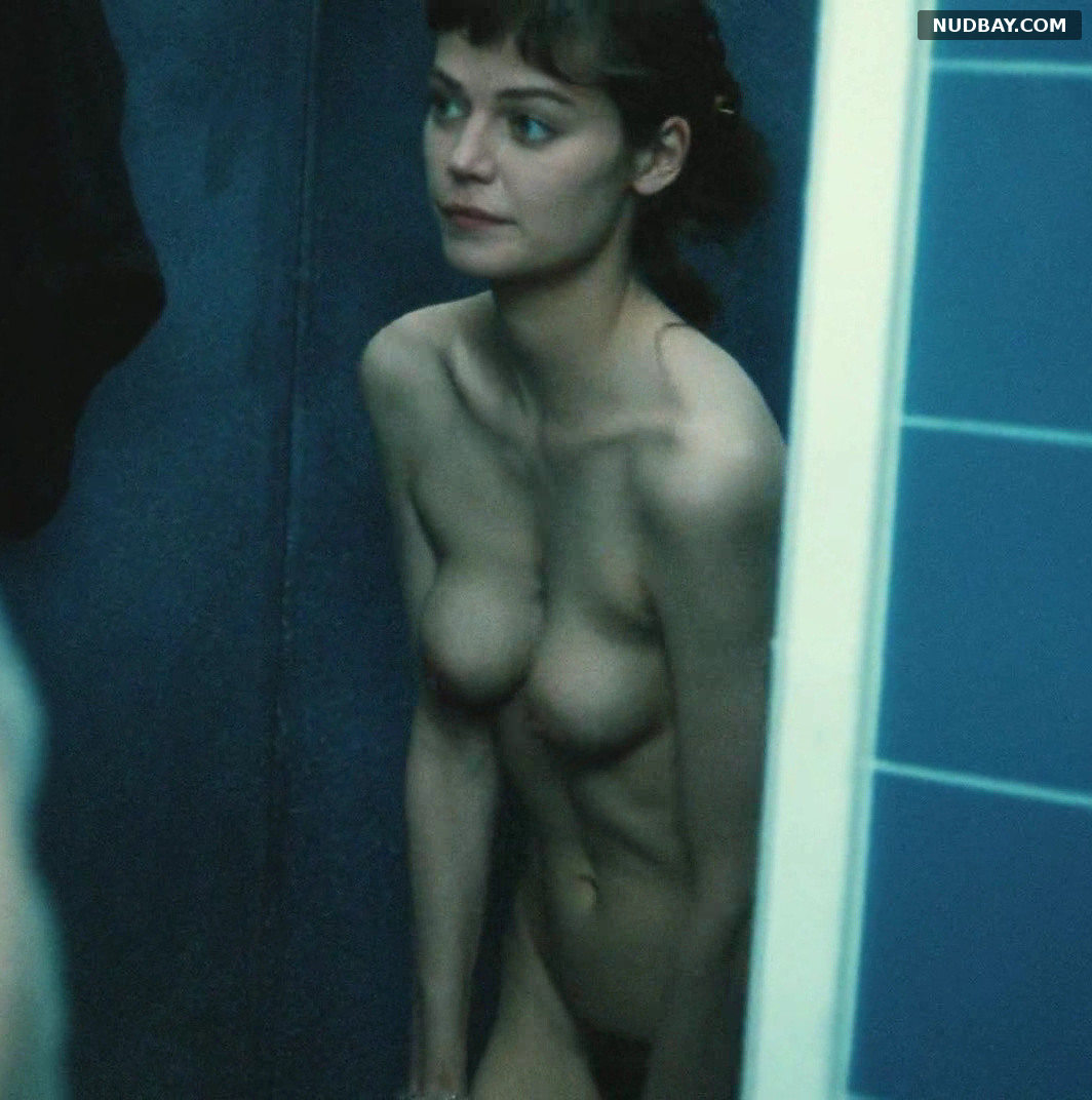Marianne Denicourt nude in Comment Je Me Suis Dispute (1996)