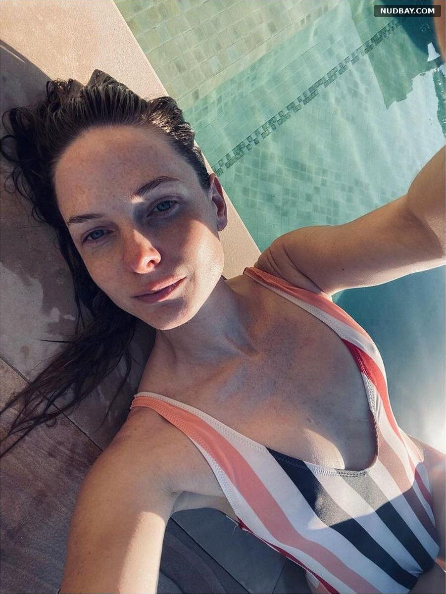 Rebecca Ferguson sexy in bikini Instagram Jan 27 2021