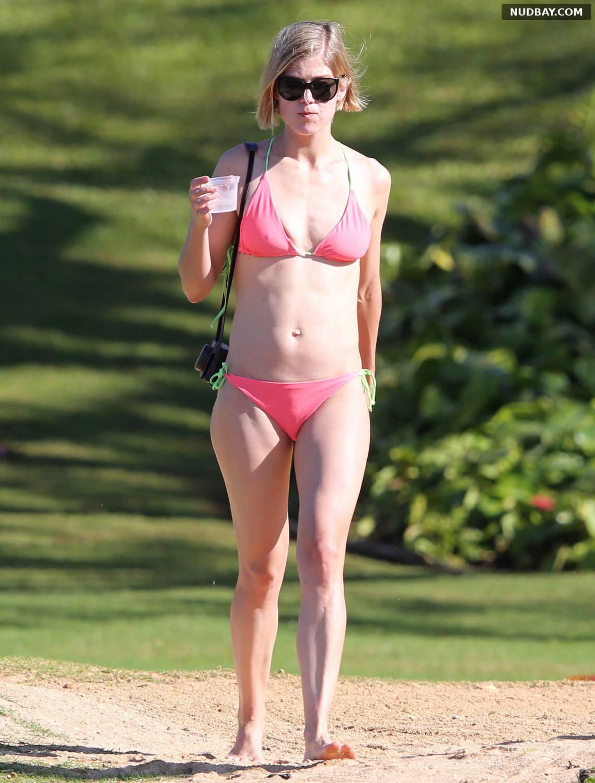 Rosamund Pike wearing a bikini in Hawaii Mar 10 2014