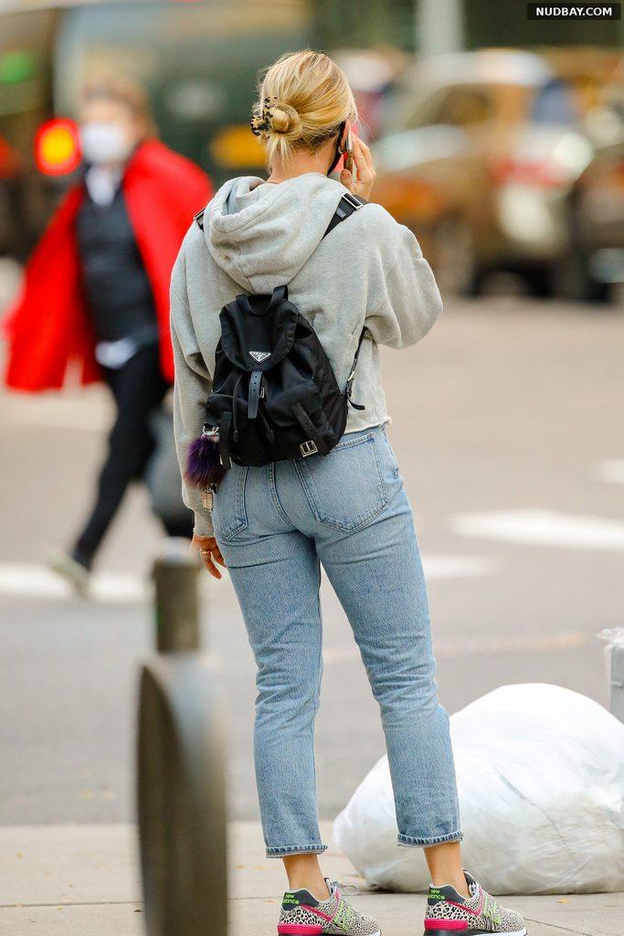 Scarlett Johansson booty out in NYC Nov 09 2020 1