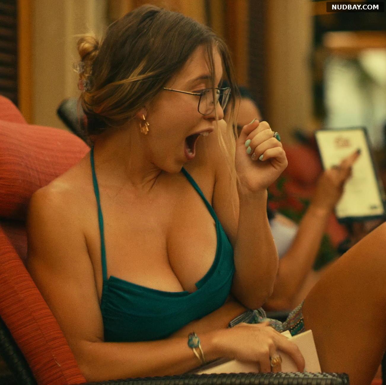 Sydney Sweeney boobs in The White Lotus S01E03 (2021)