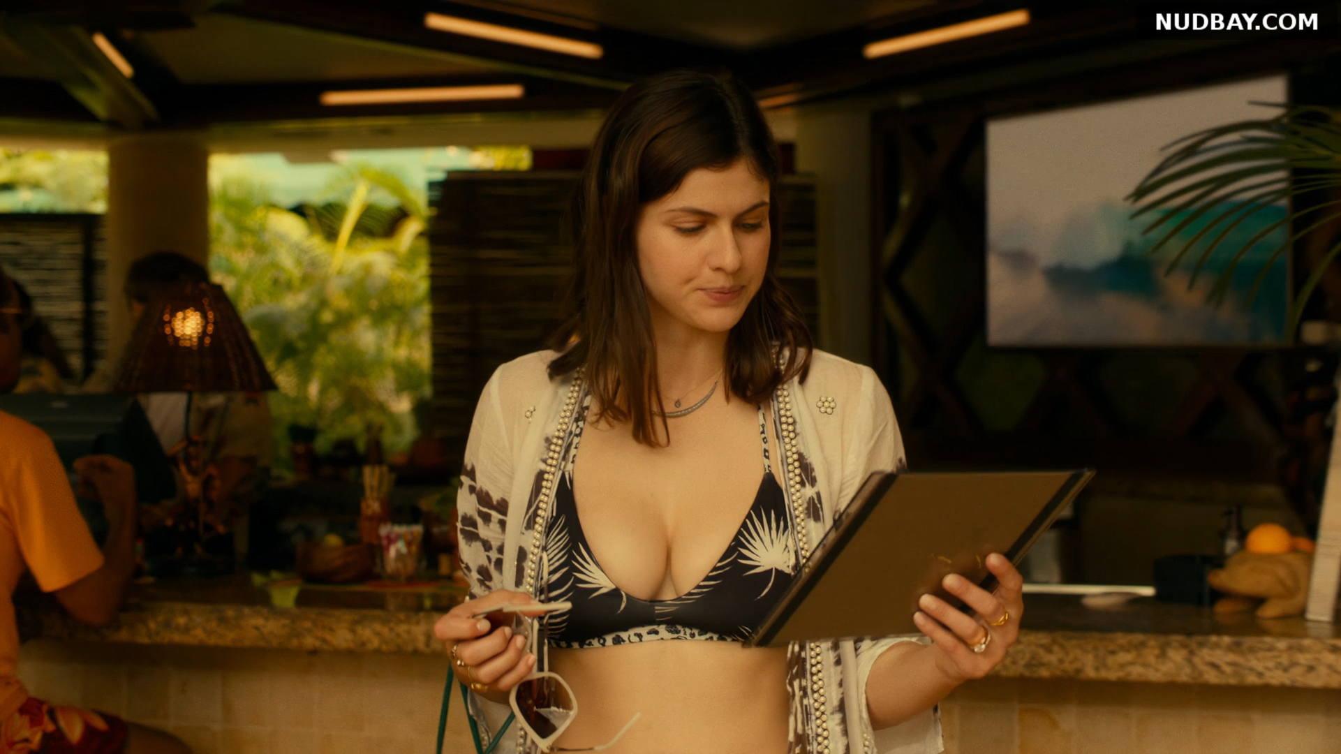 Alexandra Daddario boobs The White Lotus S01E03 (2021)
