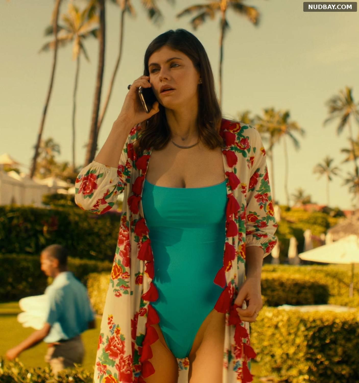 Alexandra Daddario pussy in The White Lotus S01E05 (2021)