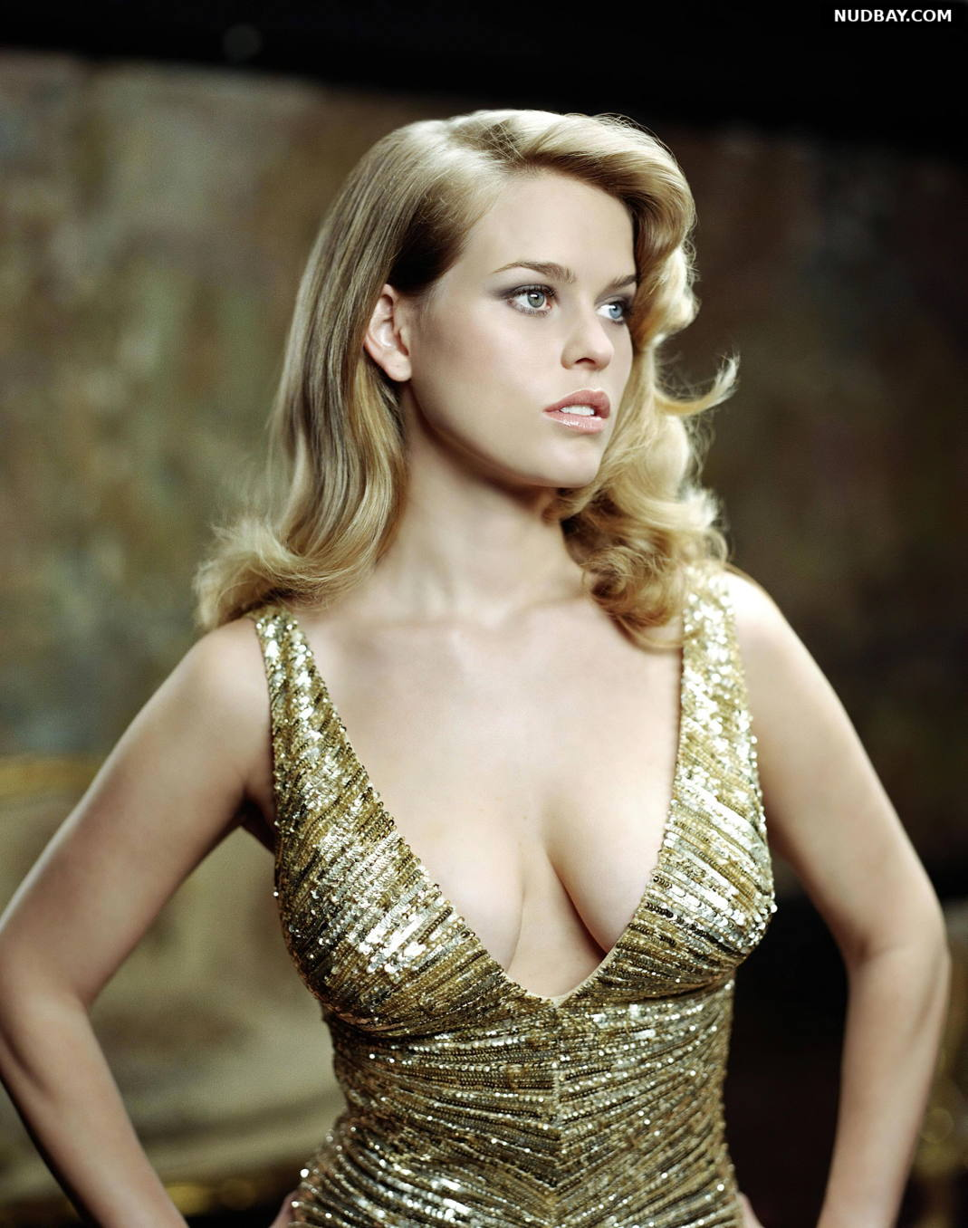 Alice Eve cleavage wears a sexy dress 2021