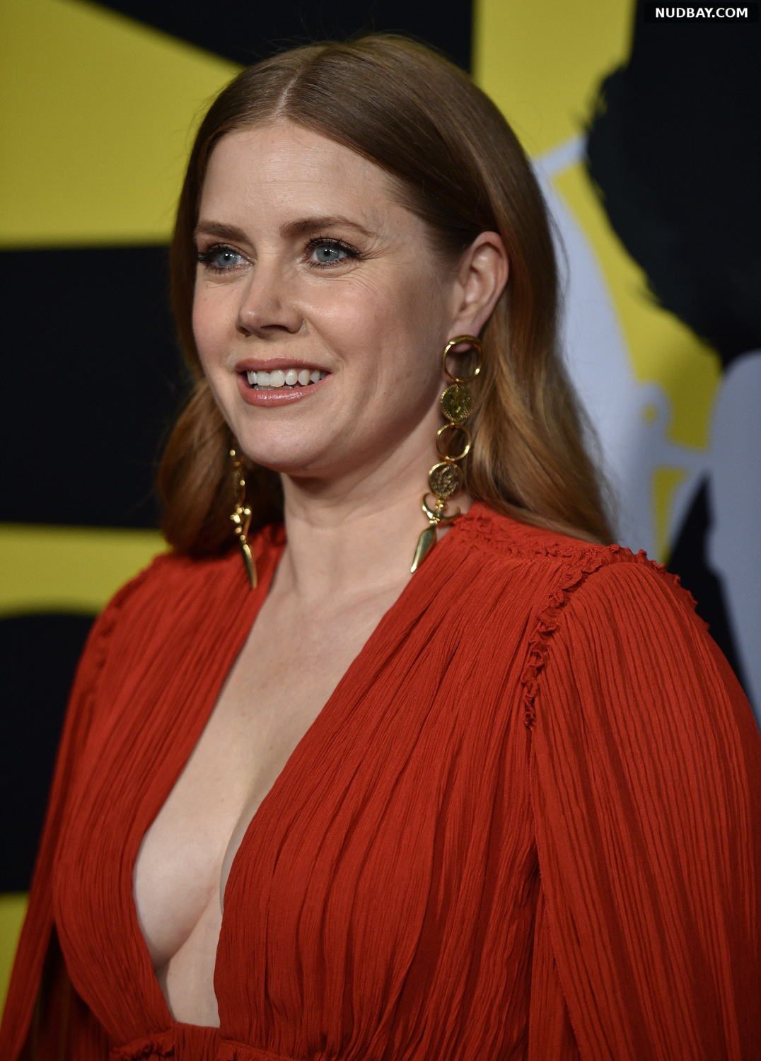 Amy Adams cleavage at Vice world premiere Dec 11 2018