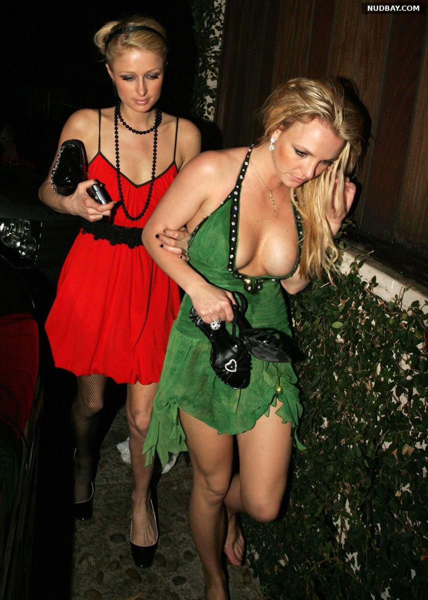 Britney Spears Wears Green Dress Showing Her Tits (2006)