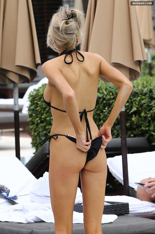 Charlotte McKinney Bare Ass on the Beach Miami Dec 07 2019