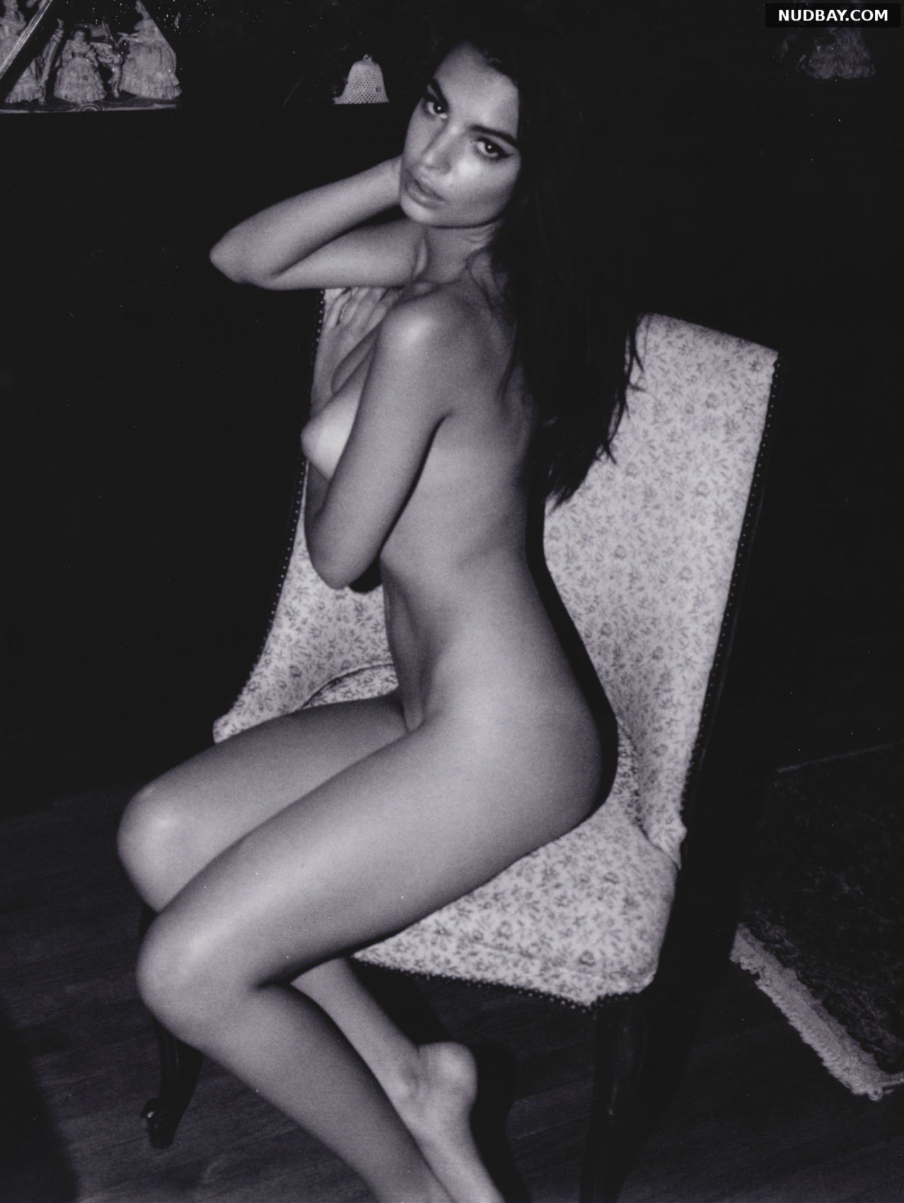 Emily Ratajkowski Nude Horny Nipples For Photoshoot